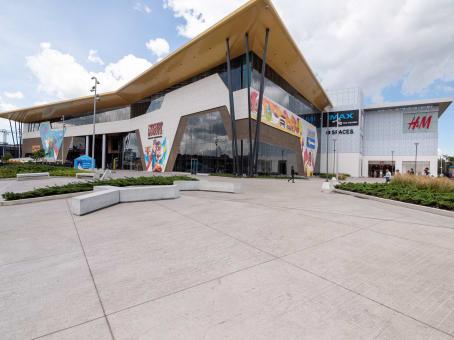 Mødelokalerne i Bogota, Nuestro
