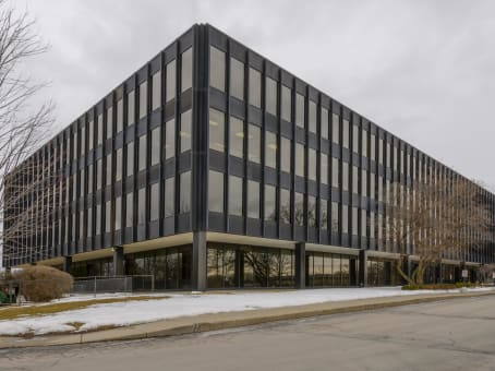 Building at 200 South Executive Drive, Brookfield Square, Suite 101 in Brookfield 1