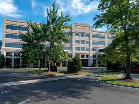Building at 301 McCullough Drive, University Executive Park, Suite 400 in Charlotte 1