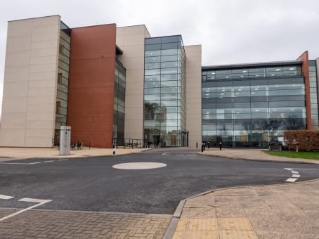 Building at Gelderd Road, Building 3, City West Business Park in Leeds 1