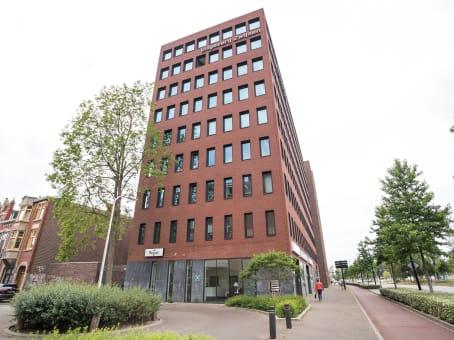 Building at Hart van Brabantlaan 12-14, Het Laken in Tilburg 1