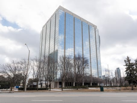 Building at 2 Robert Speck Parkway, Suite 750 in Mississauga 1
