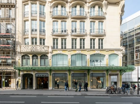 Building at 140 bis, rue de Rennes in Paris 1